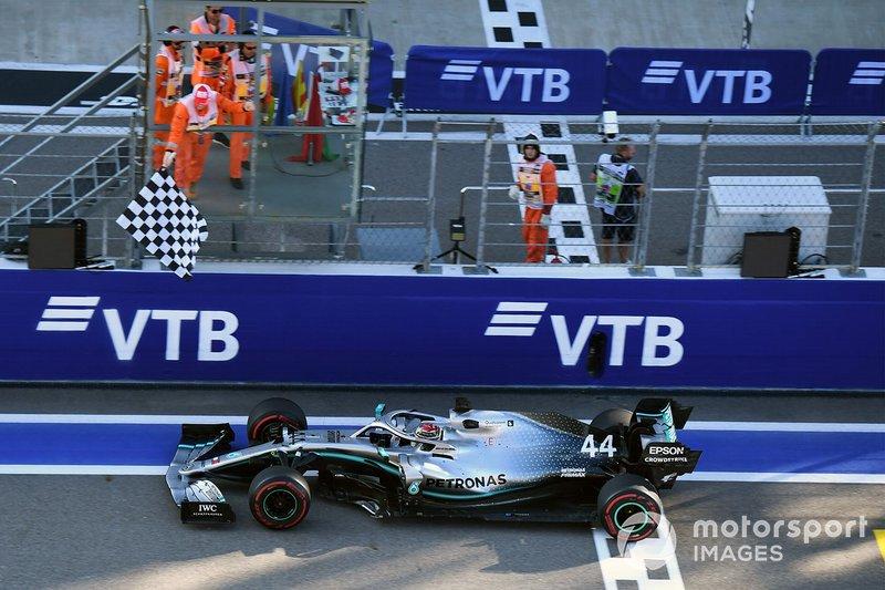 Russie - Vainqueur : Lewis Hamilton (Mercedes W10)