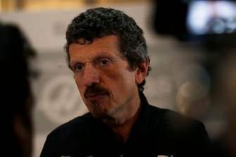 Günther Steiner, Team Principal, Haas F1 parle avec les médias