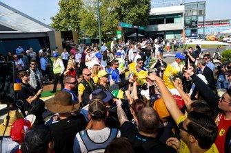 Daniel Ricciardo, Renault, signs autographs for fans