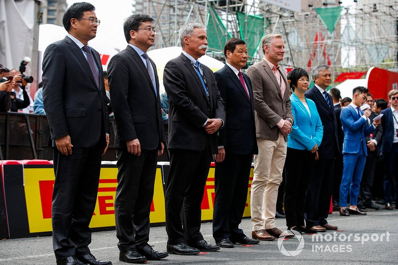Chase Carey, Chairman, Formula 1 and Sean Bratches, Managing Director of Commercial Operations, Formula One Group with dignitaries