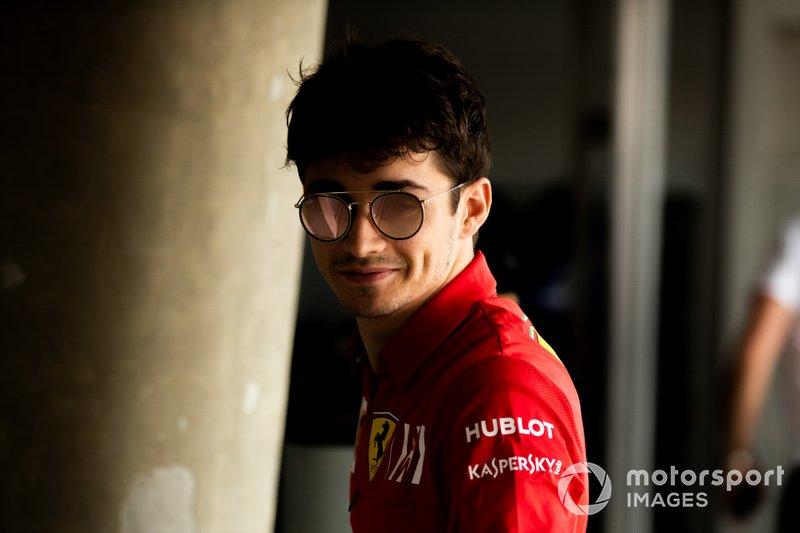 Leclerc – Q3 Sim!!! Amanhã é a corrida e ganharemos pontos e foi um bom começo. Obrigado, rapazes, o carro estava incrível. Vou dar tudo e finalizar o trabalho amanhã.