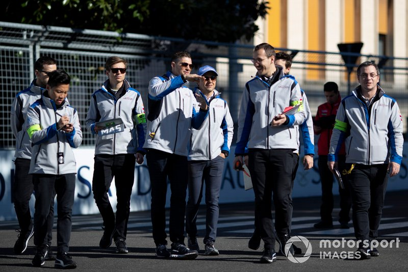 Felipe Massa, Venturi Formula E, Edoardo Mortara, Venturi Formula E, passeggiano lungo la pista
