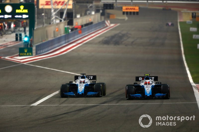 George Russell, Williams Racing FW42, battles with Robert Kubica, Williams FW42