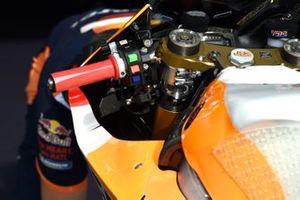Dettaglio di una moto del Team Repsol Honda