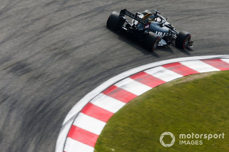 Grosjean was furious when told to heed to blue flags