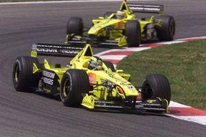Heinz-Harald Frentzen, Jordan-Mugan Honda EJ10, devant Jarno Trulli, Jordan-Mugan Honda EJ10