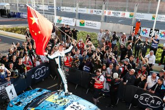 Il vincitore della gara Thed Björk, Cyan Racing Lynk & Co 03 TCR