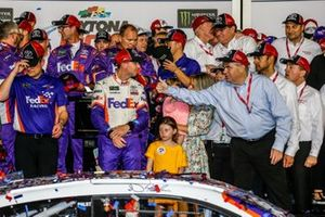 Denny Hamlin, Joe Gibbs Racing, Toyota Camry FedEx Express in victory lane with Toyota Executives