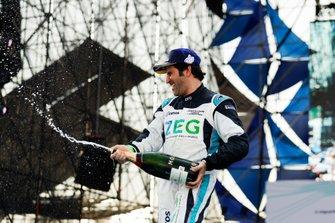 Sérgio Jimenez, Jaguar Brazil Racing festeggia sul podio