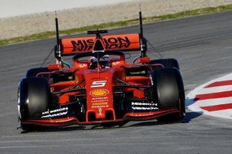 Sebastian Vettel, Ferrari SF90, con dei sensori aerodinamici sull'ala posteriore
