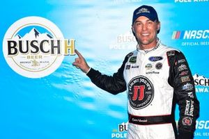 Pole sitter Kevin Harvick, Stewart-Haas Racing, Ford Mustang Busch Beer