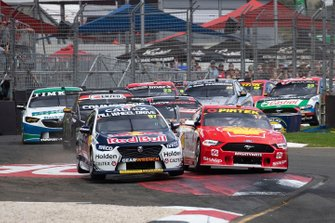 Scott McLaughlin, DJR Team Penske, Shane van Gisbergen, Triple Eight Race Engineering Holden