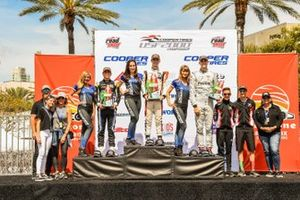 Ganadores Carrera 1, Braden Eves, Manuel Sulaiman, Hunter McElrea