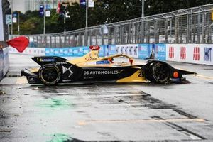 Jean-Eric Vergne, DS TECHEETAH, DS E-Tense FE19 attempts to turn his car after spinning on the straight