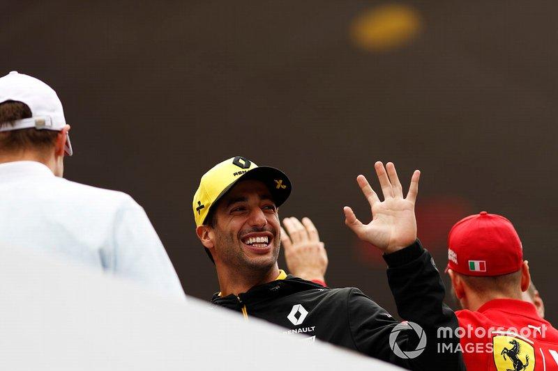 GP de China 2019: Ricciardo se redime ganando la carrera 1.000 del mundial de F1, y Sainz puntúa