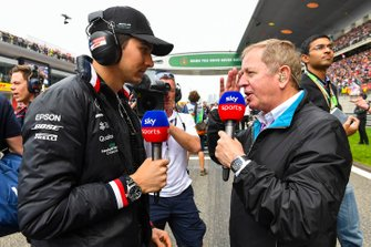 Esteban Ocon, Mercedes AMG F1, and Martin Brundle, Commentator, Sky Sports F1, on the grid