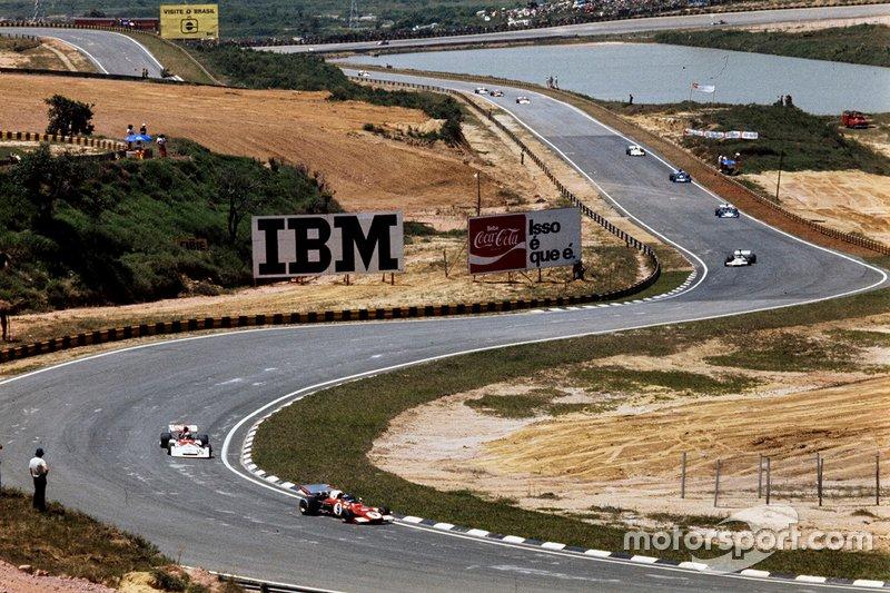 Interlagos ha tenido dos trazados clásicos en la F1. El de casi 8 mil metros y el actual, que se utiliza desde 1990, cuando volvió a recibir la categoría, con 4.309m.
