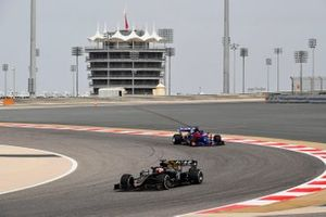 Pietro Fittipaldi, Haas F1 Team VF-19 and Daniil Kvyat, Toro Rosso STR14