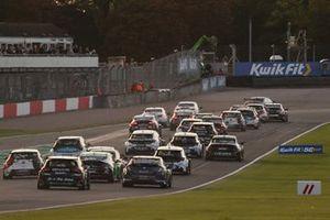 BTCC Race 3 start
