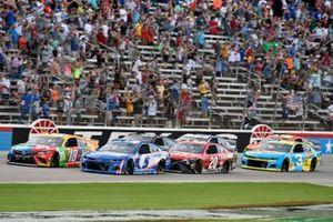 Kyle Busch, Joe Gibbs Racing, Toyota Camry M&M's Summering and Kyle Larson, Hendrick Motorsports, Chevrolet Camaro HendrickCars.com