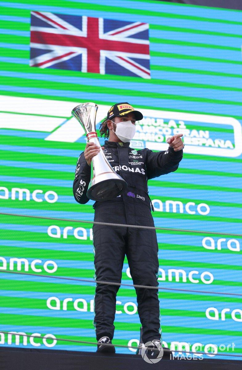 Podio : ganador de la carrera Lewis Hamilton, Mercedes