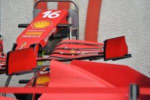 Носовой обтекатель и переднее антикрыло Ferrari SF21