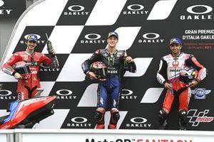 Polesitter Fabio Quartararo, Yamaha Factory Racing, tweede plaats Francesco Bagnaia, Ducati Team, derde plaats Johann Zarco, Pramac Racing
