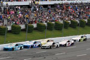 Erik Jones, Richard Petty Motorsports, Chevrolet Camaro Medallion Bank and Kyle Larson, Hendrick Motorsports, Chevrolet Camaro HendrickCars.com