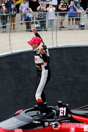 Yarış galibi Rinus VeeKay, Ed Carpenter Racing Chevrolet
