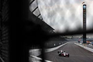 Helio Castroneves, Meyer Shank Racing Honda, Sebastien Bourdais, A.J. Foyt Enterprises Chevrolet