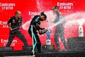 Gianpiero Lambiase, Race Engineer, Red Bull Racing, Lewis Hamilton, Mercedes, 2nd position, and Max Verstappen, Red Bull Racing, 1st position, spray Champagne