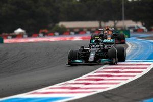 Valtteri Bottas, Mercedes W12, Max Verstappen, Red Bull Racing RB16B