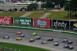 Tyler Reddick, Richard Childress Racing, Chevrolet Camaro Okuma, Joey Logano, Team Penske, Ford Mustang Shell Pennzoil