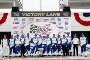 Le vainqueur Alex Palou, Chip Ganassi Racing Honda, podium et les membre de son équipe
