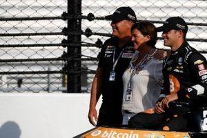 Rinus VeeKay, Ed Carpenter Racing Chevrolet, mit seinen Eltern
