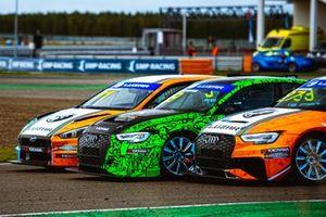 Плотная борьба за позицию между пилотами Taif Motorsport и Carville Racing