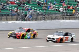 Kyle Busch, Joe Gibbs Racing, Toyota Camry M&M's Mix and B.J. McLeod, Live Fast Motorsports, Ford Mustang