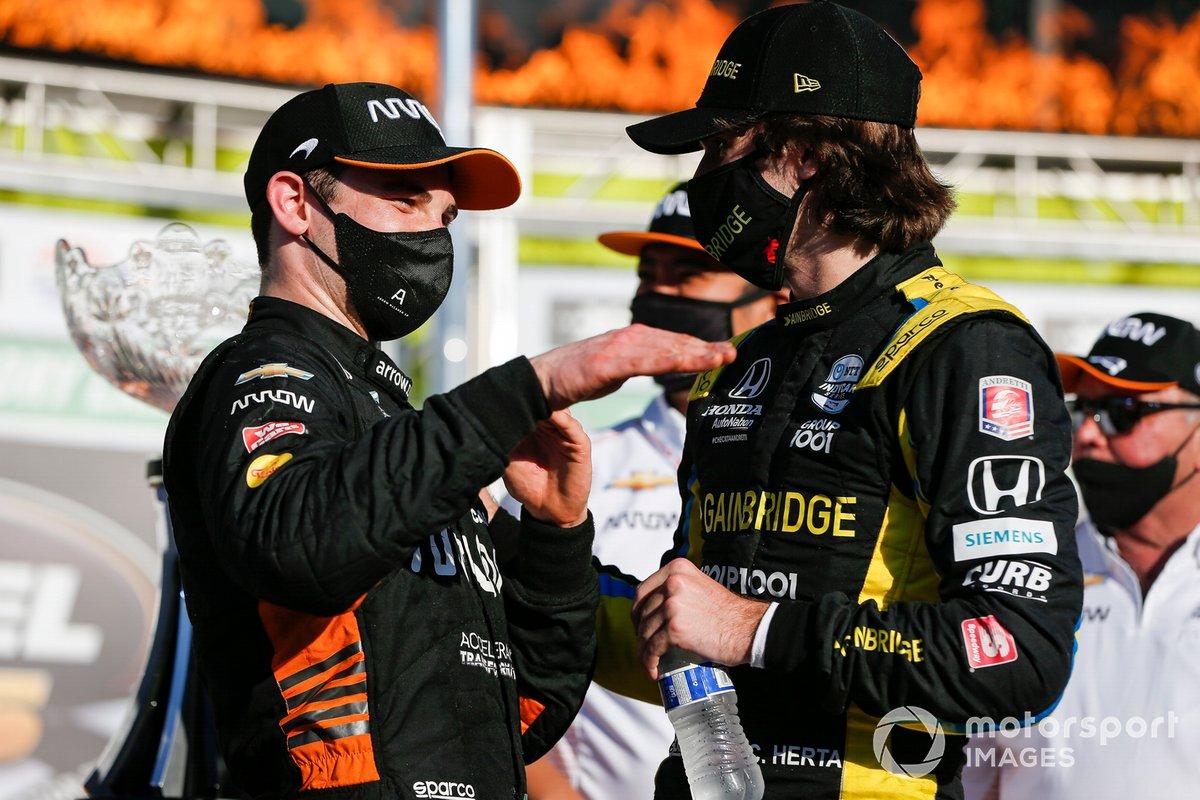 Patricio O'Ward, Arrow McLaren SP Chevrolet celebra la victoria en la XPEL 375, y Colton Herta, Andretti Autosport Honda