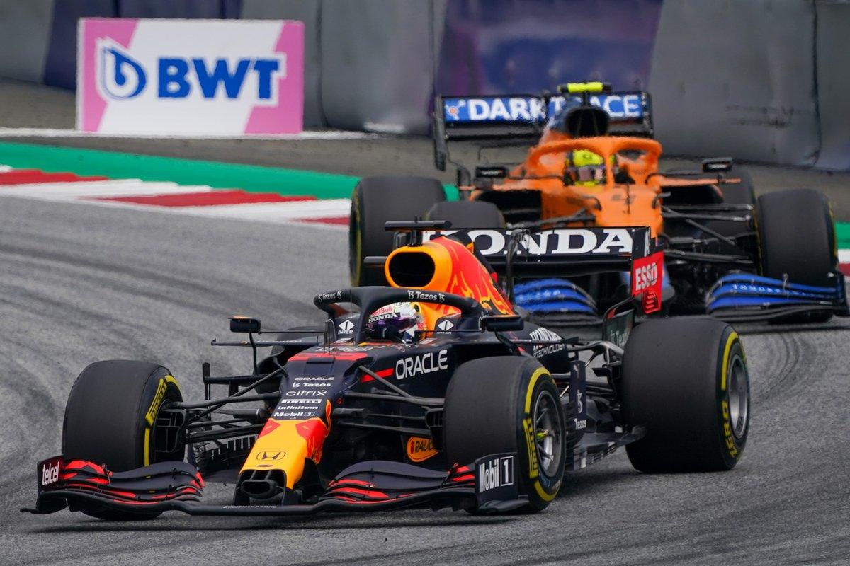 Max Verstappen, Red Bull Racing RB16B, Lando Norris, McLaren MCL35M
