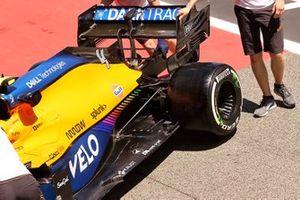 Lando Norris, McLaren MCL35M floor