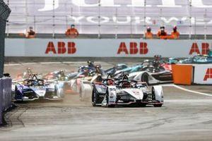 Start der Formel E 2021 in Puebla: Pascal Wehrlein, Tag Heuer Porsche, Porsche 99X Electric, führt