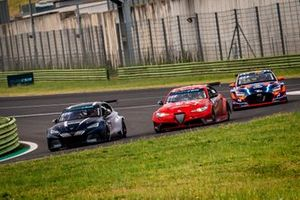 Mikel Azcona, Zengo Motorsport Cupra, liderando