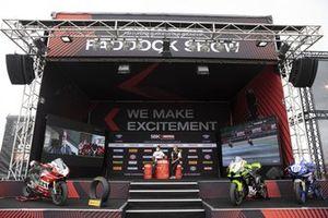 Presentación de la Ducati V2 con Troy Bayliss