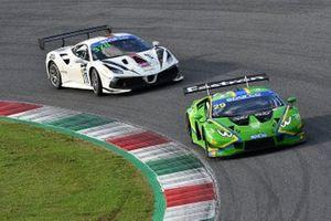 #29 Vincenzo Sospiri Racing, Lamborghini Huracán GT3 Evo: Simone Iacone, Sascha Tempesta e #378 Kessel Racing, Ferrari 488 Challenge Evo: Axel Sartingen, Francesco Lopez
