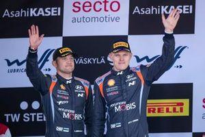 Podium: Ott Tänak, Martin Järveoja, Hyundai Motorsport Hyundai i20 Coupe WRC