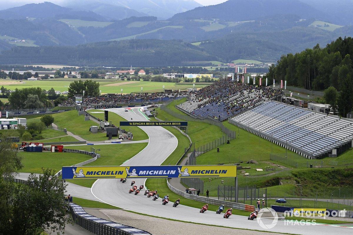 Jorge Martin, Pramac Racing leads en tête au restart