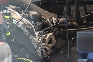 محرك سيارة مرسيدس دبليو12
