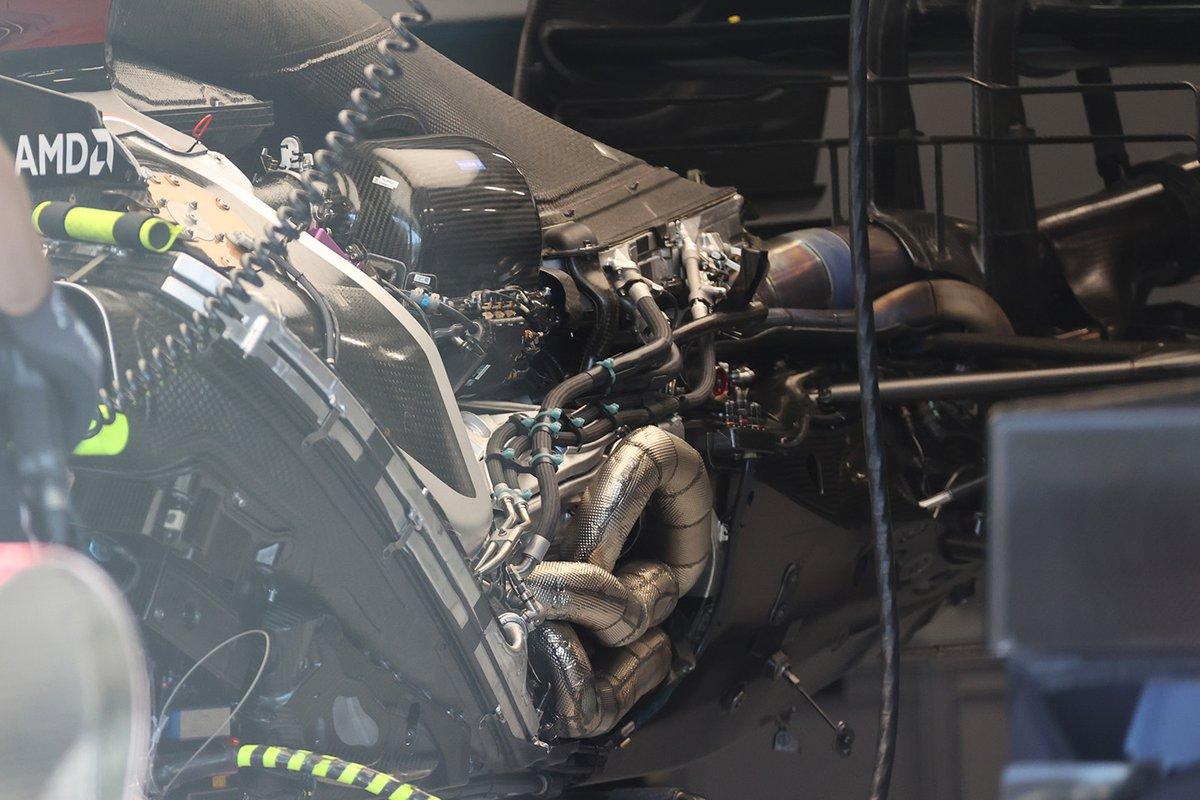 Detalle del motor del Mercedes W12
