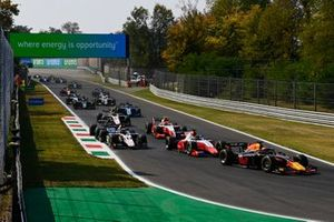 Liam Lawson, Hitech GrPrix, Robert Shwartzman, Prema Racing, Christian Lundgaard, ART GrPrix