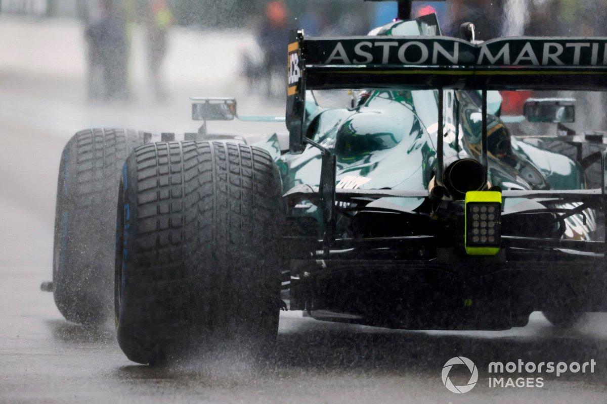 Lance Stroll, Aston Martin AMR21, sulla griglia di partenza